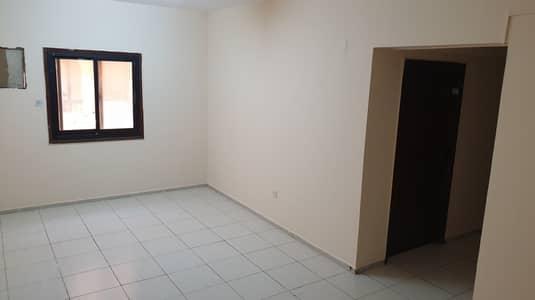 شقة 2 غرفة نوم للايجار في الكرامة، دبي - شقة في الكرامة 2 غرف 55000 درهم - 4810250