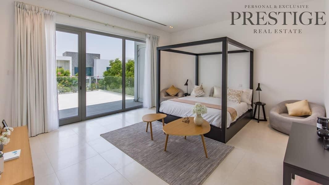 6 Bedroom   Contemporary Villa   Large Plot