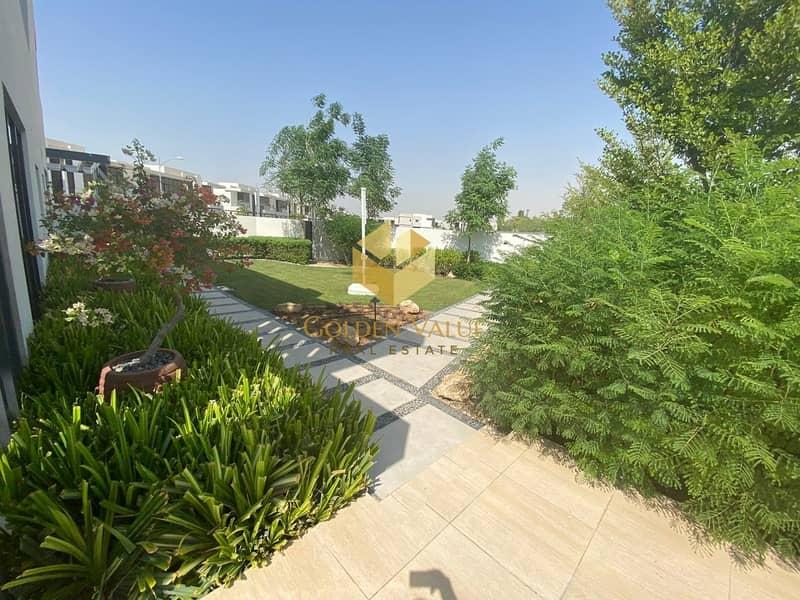 17 Design Your Dream Villa | Park view |prime location