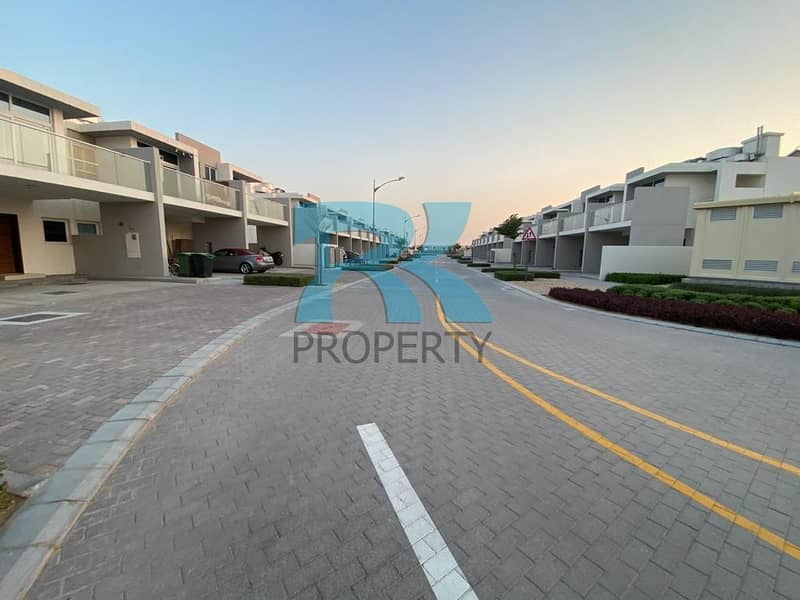 36  Vacant 3-bedroom for Sale