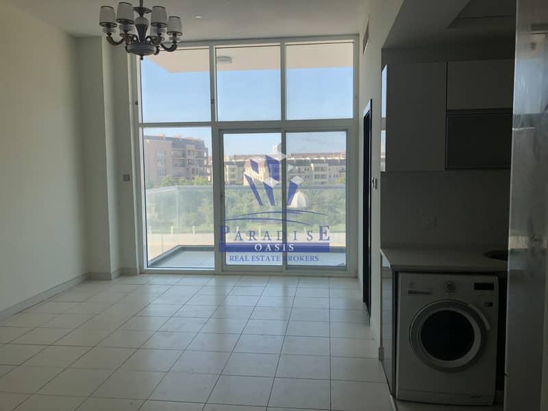 Park View Studio | Kitchen appliances | Balcony
