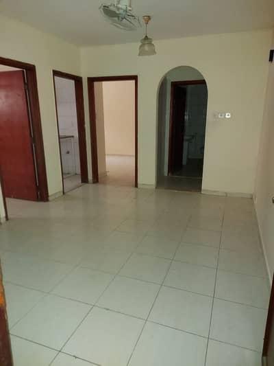 فلیٹ 2 غرفة نوم للايجار في ديرة، دبي - 2 B/R+Hall Flat available in Naif- Nakheel Centre Area