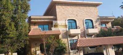 فیلا في كورنيش الخالدية الخالدية 4 غرف 200000 درهم - 4739147