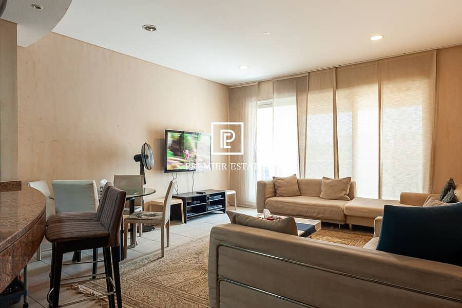 2 Large 1BR VOT Great Location | Great Invesment