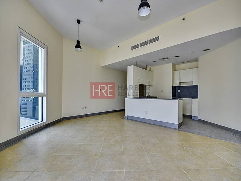 2 Near Metro | Large Studio | Great Open View