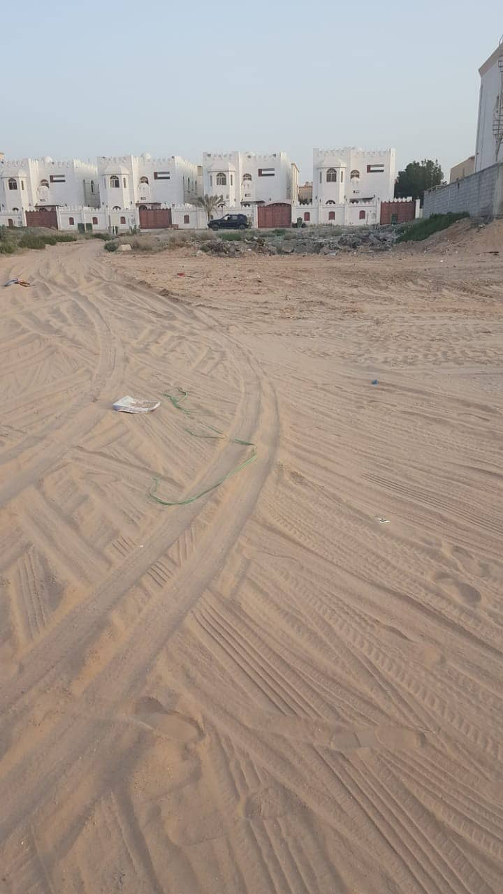 للبيع ارض سكني تجارية  في عجمان المويهات 1 قريبة من شارع الشيخ عمار