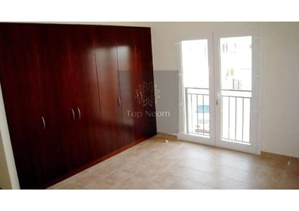 4 Bedroom Townhouse for Rent in Motor City, Dubai - Spacious Townhouse - High End Living & Lake View