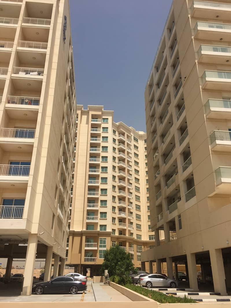 Investor Price  Large Size 1 BHK With Parking in Mazaya-03