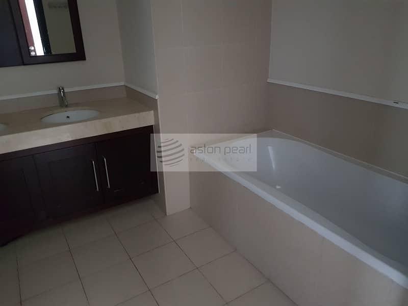 10 Beautiful View  | Cozy 3 Bedrooms  | On High Floor