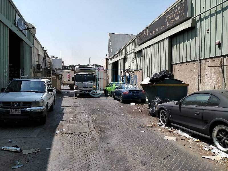2 warehouse for rent 2300sqft plus tax in al quoz 04
