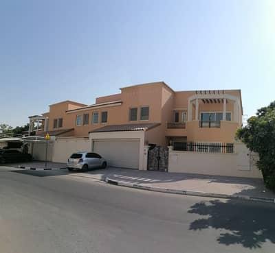 فیلا 5 غرف نوم للايجار في الصفا، دبي - فیلا في الصفا 2 الصفا 5 غرف 320000 درهم - 4813339
