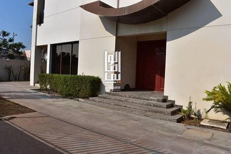 فیلا 5 غرف نوم للايجار في جميرا، دبي - Modern 5 BR Villa with Private Garden Near to Beach !!