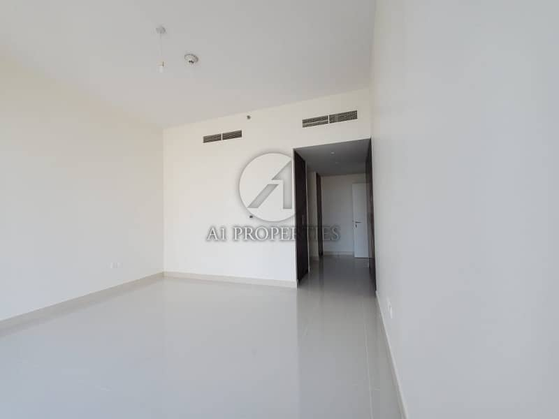 2 Spacious and Bright 2BR in Blvd Crescent