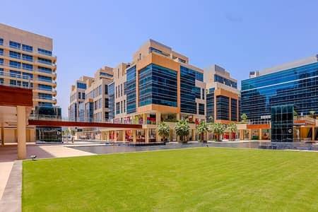 مکتب  للايجار في الخليج التجاري، دبي - Beautiful / Fully Furnished / Fully Equipped - Ready to Occupy Office  in Bay Square