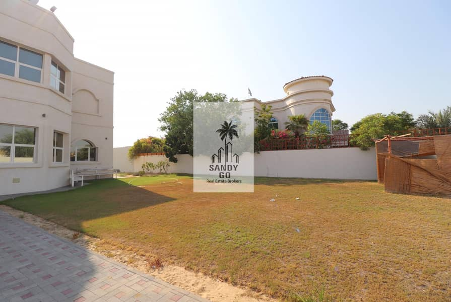 14 Big plot  5 Bedrooms Villa   Nad Al Sheba 4