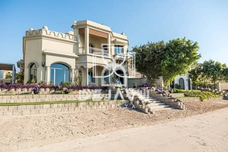 4 bedroom villa on the Palm. Well maintained and recently renovated