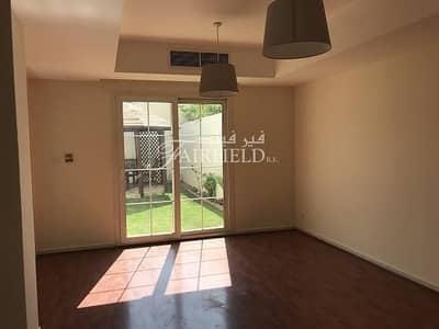 تاون هاوس 2 غرفة نوم للايجار في الينابيع، دبي - 2BR + Study TH  With Wooden Flooring | Close to Lake