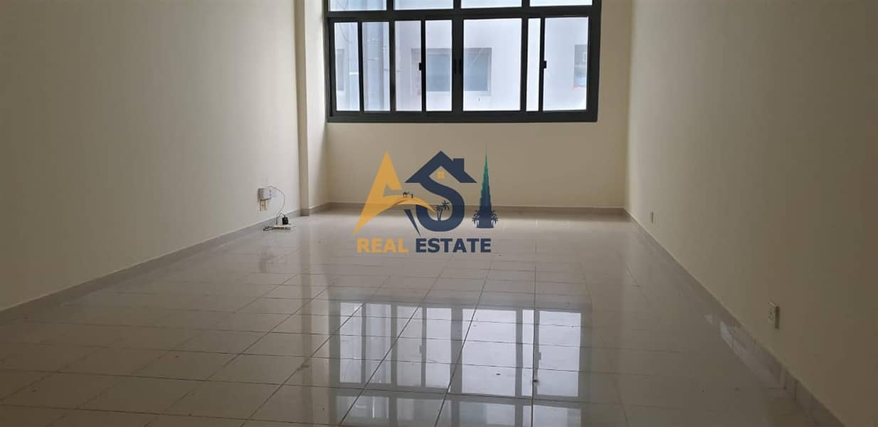 2 Spacious 1 BHK|Close to Sharaf DG Metro(Mashreq)|Close Kitchen|35k For Rent