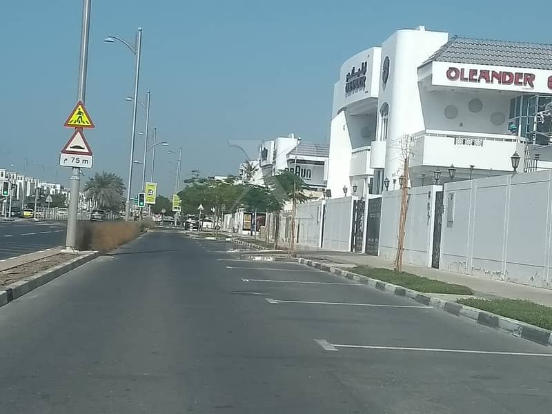 8 Commercial Villa for Rent on Jumeirah 1 Main Road