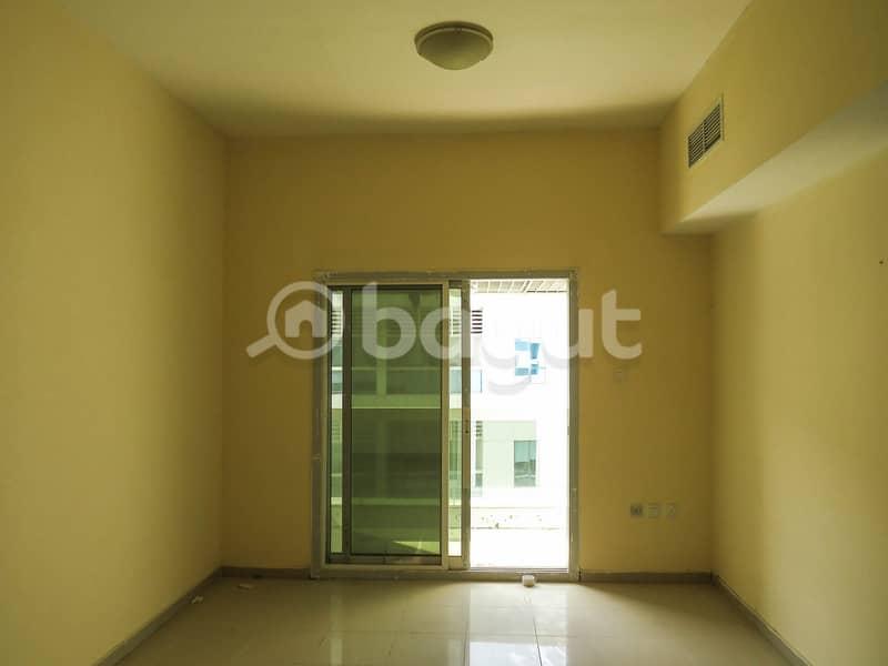 تملك غرفتين وصالة فى ابراج اللؤلؤة بسعر متميز