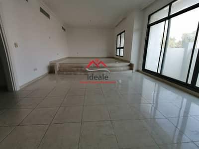 فلیٹ 4 غرف نوم للايجار في المناصير، أبوظبي - Spacious layout 4BHK apartment + maid room | balcony