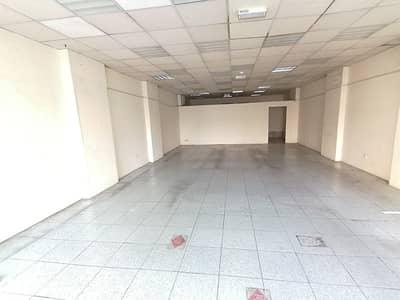 محل تجاري  للايجار في السور، الشارقة - محل تجاري في السور 70000 درهم - 4814455