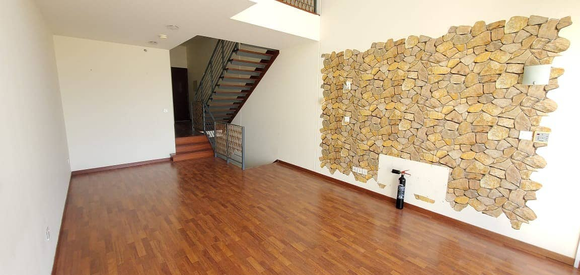 At Low Price | All Wooden Floors | Well Maintained 3 BHK