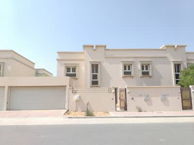 Huge luxury 4bed villa with maid room rent 80k in (1)cheque payment