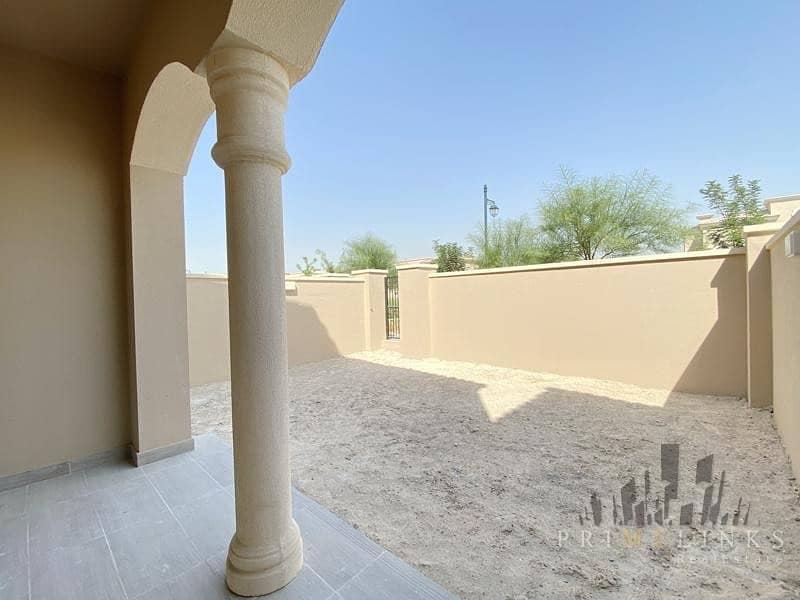 One Step From The Pool New Villa 2 Beds Plus Maid