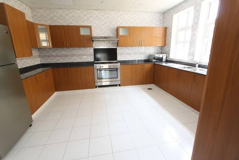 2 Vacant | 5 Bed Villa on Park | Pool and Basement
