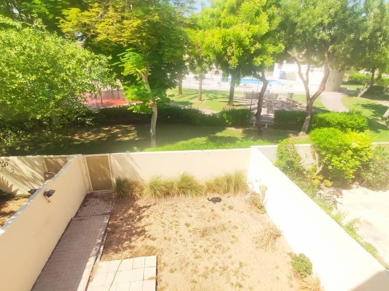 2 Pool Park View