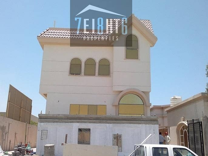 3-4 b/r spacious high quality independent villa  with basement + maids room for rent in Al Quoz 1