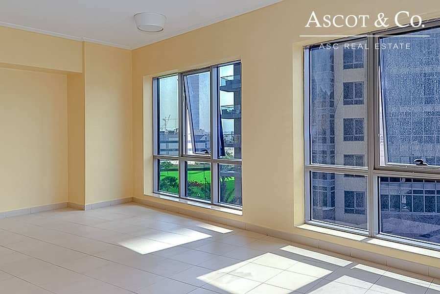 2 1 Bedroom | High Floor |Motivated Seller