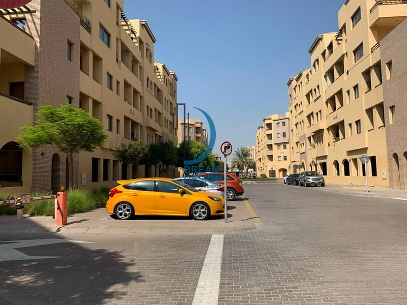 Large 1 BR  Apartment with Balcony | Multiple Cheques