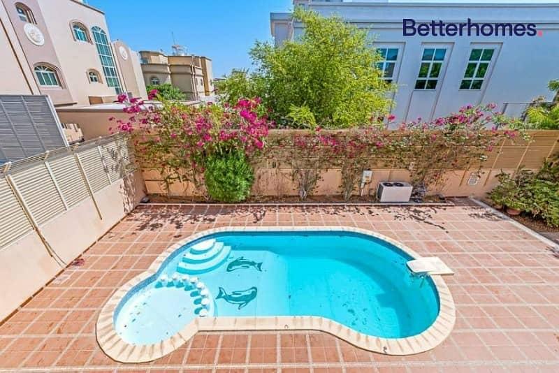 Beautiful  6 BR Villa I Private Pool Ready to move in