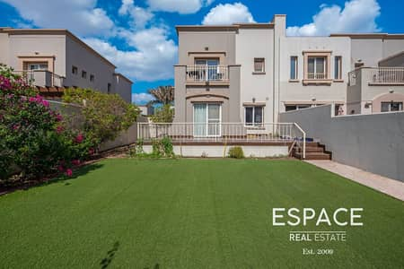3 Bedroom Villa for Sale in The Springs, Dubai - Upgraded Family Home in a Prime Location