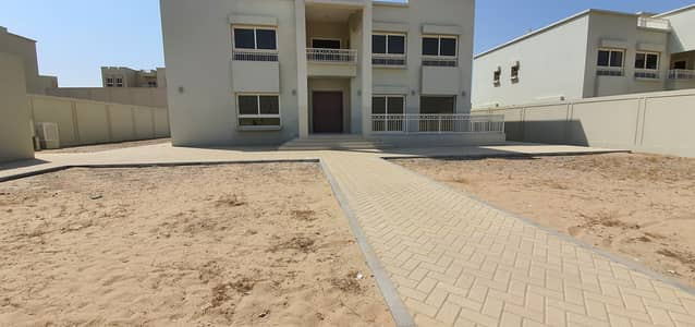 5 Bedroom Villa for Sale in Barashi, Sharjah - Excellent finishing | own your stylish Villa | brand new 5bedroom | 18000 sqft | price : 3.5million | drict from developer | 0555081789