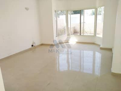 3 Bedroom Villa for Rent in Jumeirah, Dubai - Fully Renovated | Free Maintenance | Single Storey