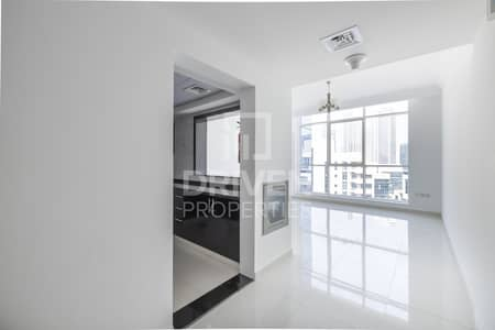 Bright and well-managed Apt | Canal View