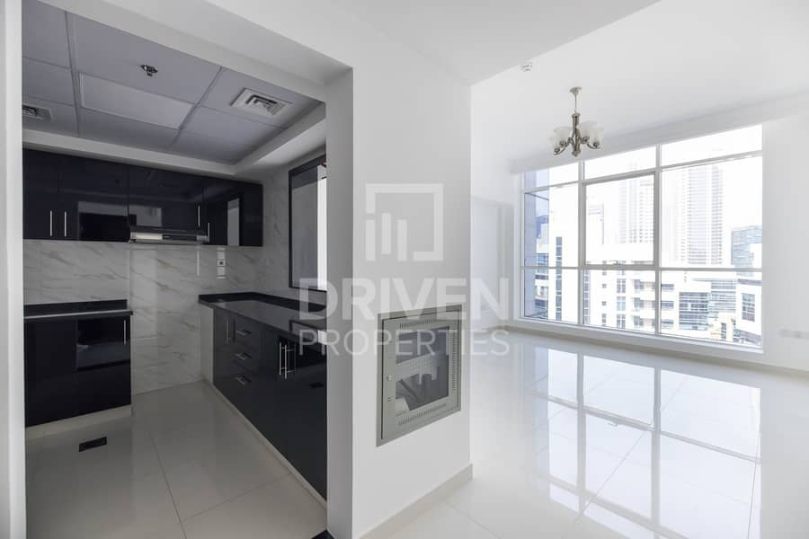 2 Bright and well-managed Apt | Canal View