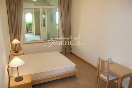 1 Bedroom Flat for Rent in Palm Jumeirah, Dubai - Beautiful 1 BR Apt with terrace| Sea view