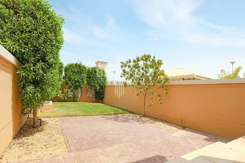 27 1 BR Townhouse | Balcony | Well-Maintained