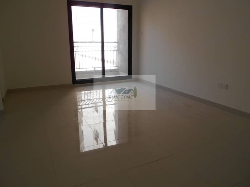 13 LIKE NEW 2BHK FAMILY OFFER 10 MINUTES BY BUS TO NAHDA METRO COVERED PARKING CLOSE TO POND PARK AVAIL 42K