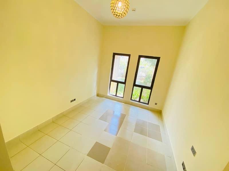 HUGE PRIVATE GARDEN| BURJ DUBAI DOWNTOWN|1BR