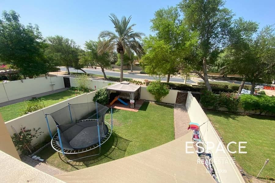 Beautiful 3 BR Villa Very Well Maintained
