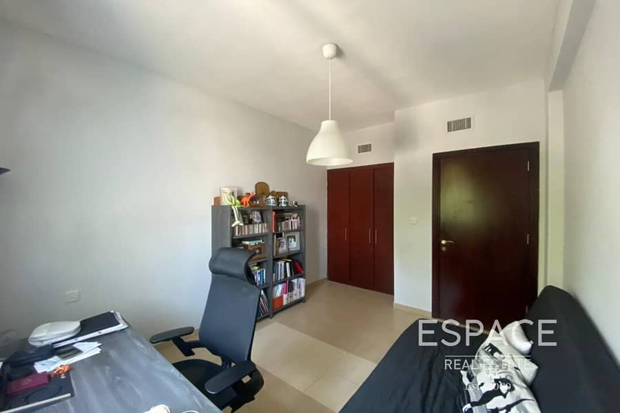 13 Beautiful 3 BR Villa Very Well Maintained