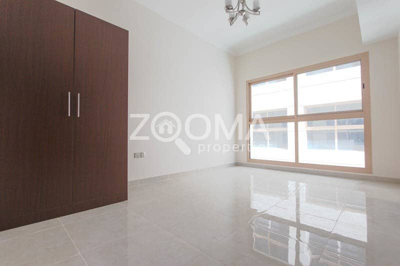 2 NO COMMISSION | 1 MONTH FREE| Closed Kitchen