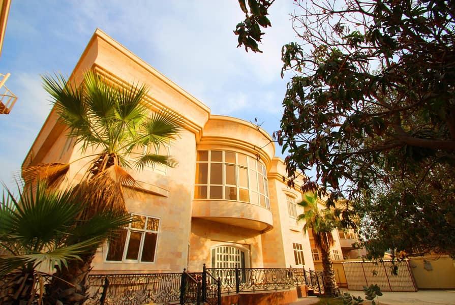 10 Exellent  renovated commercial villa with garden in Umm Suqeim 1