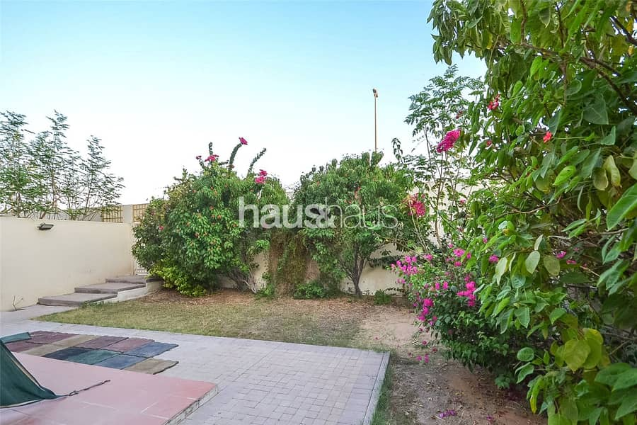Corner Plot | Lovely Garden | Close To Lake/Park