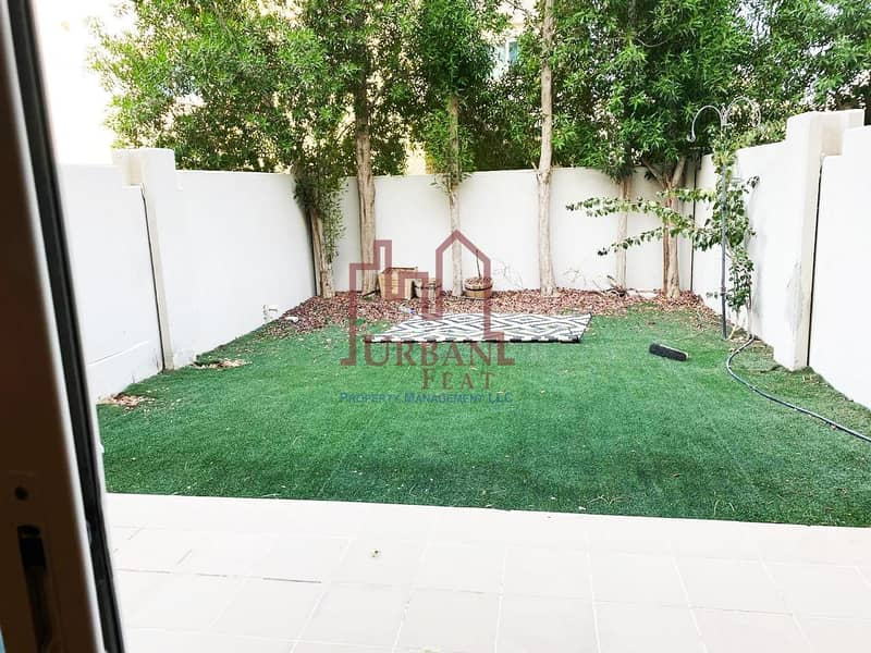 18 Perfect investment! Family home 2BR w/ out rent back